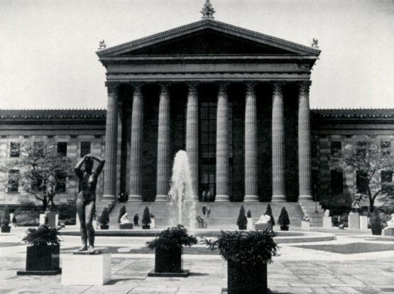 Marcks Maja vor dem Philadelphia Museum of Art 1949